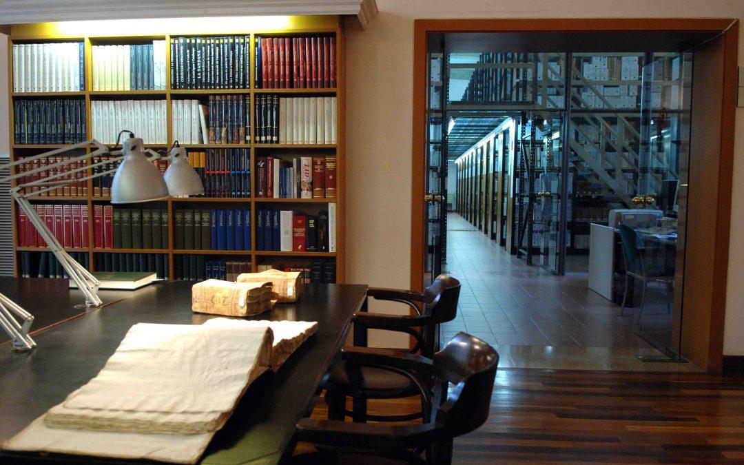 "exhibition ""Great little treasures Archive"""