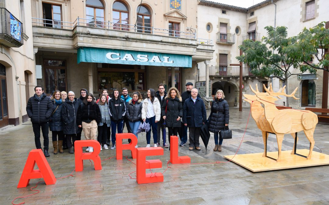 Main Street is revitalized artistic interventions with students from the School of Art Leandre Cristòfol in Lleida