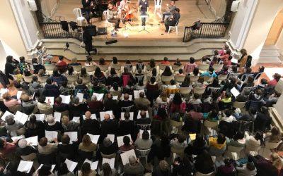 Le Groupe Choral Cervera se prépare à donner au concert en commun Petit Palace Barcelone